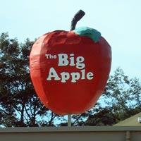 The Big Apple fruit mart