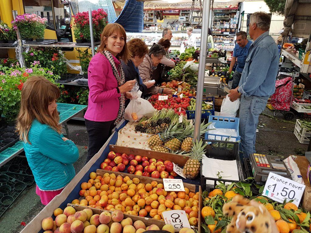 Shopping at the Castelfiorentino markets