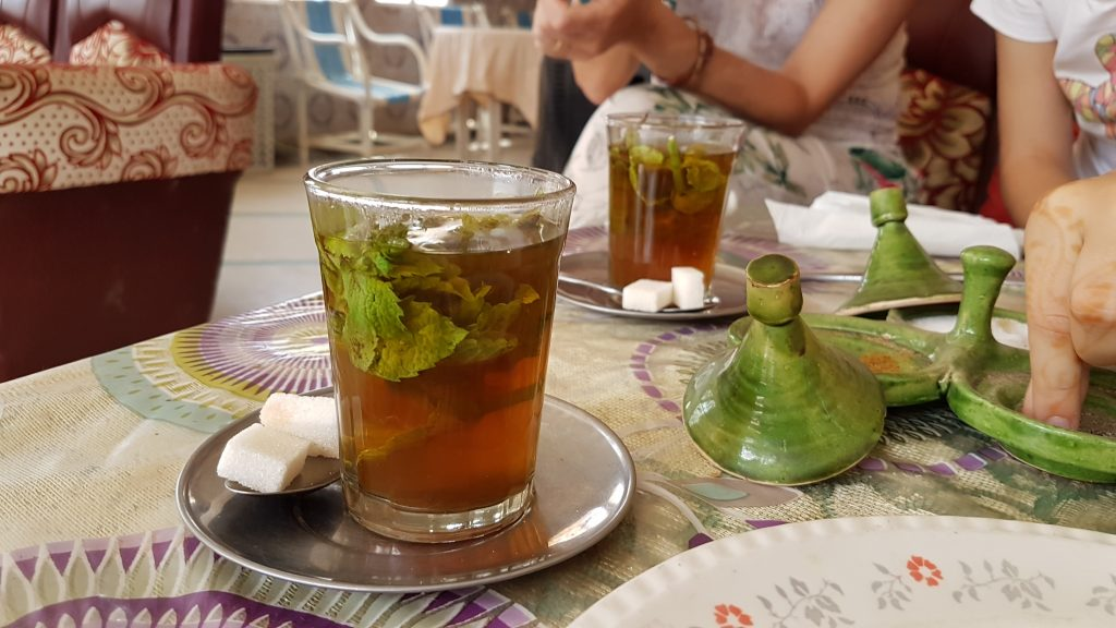 Refreshing mint tea
