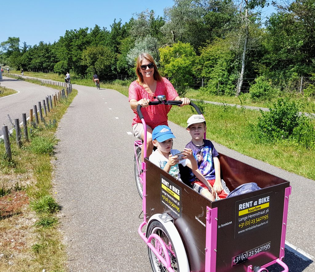 Cycling to the beach from Haarlem