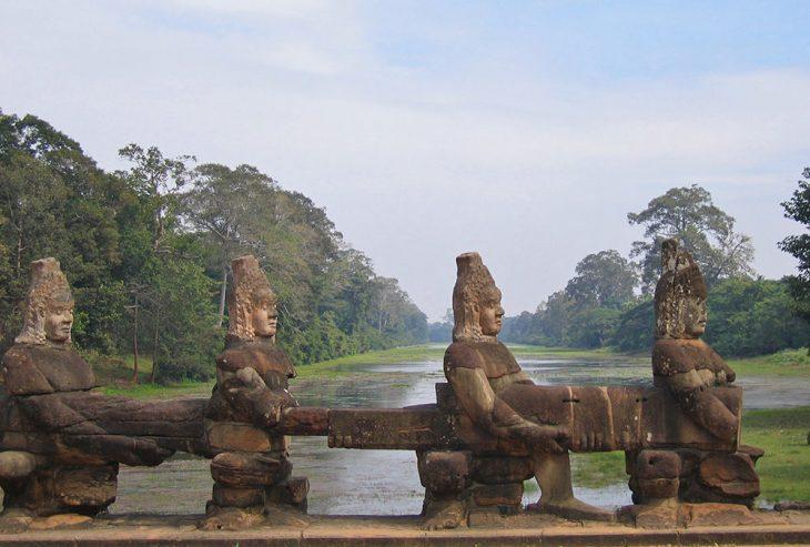 Snake bridge Angkor Wat