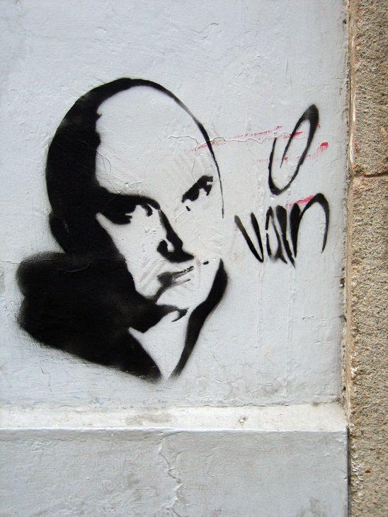 Vain Who